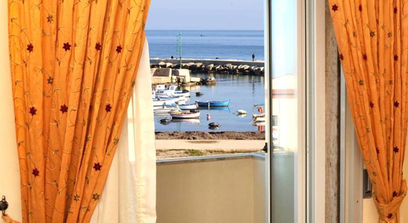 Hotel elegante sul mare Mola di Bari
