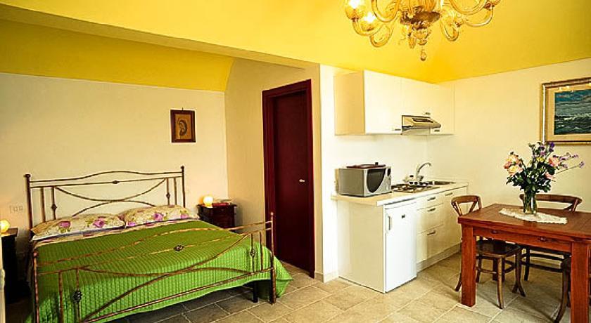 Lazzarone room ideale Famiglie in Vacanza Masseria