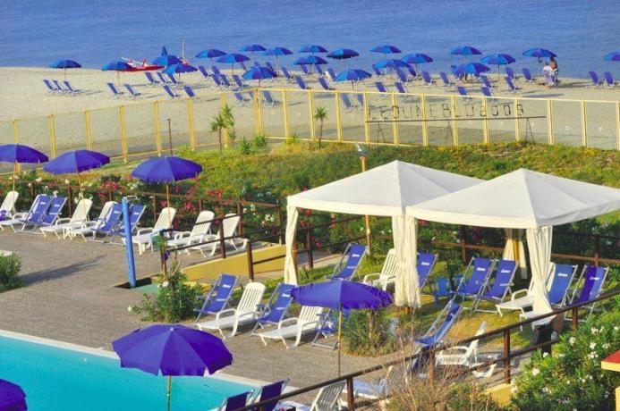 Resort con Camere e Chalet al Mare