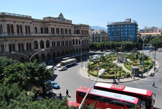 Hotel4stelle 500metri stazione centrale treni Palermo
