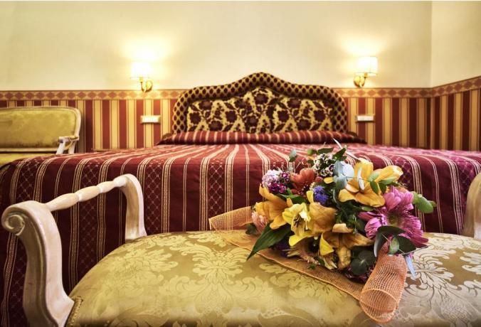 Prima colazione in Camera suite romantiche Roma
