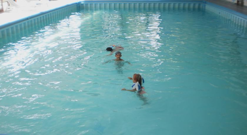 Hotel con Piscina Riscaldata per bambini