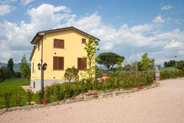 Appartamento casa vacanze con giardino a Cortona