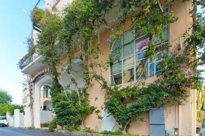 ischia-centro-storico-camere-wifi-ristorante-hotel-belvedere