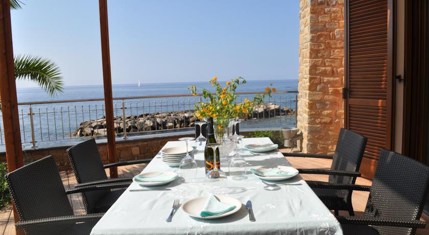 Appartamenti attrezzati sul mare Acciaroli di Pollica