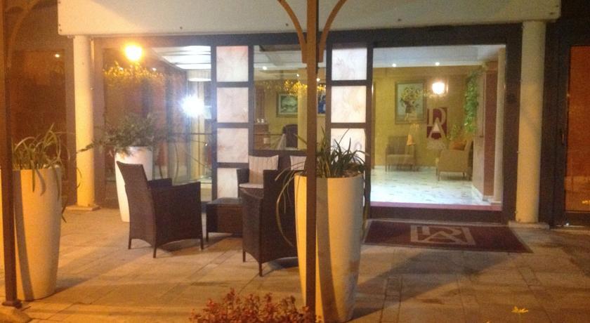 Giardino in Hotel vicino Terme Albule Roma Tivoli