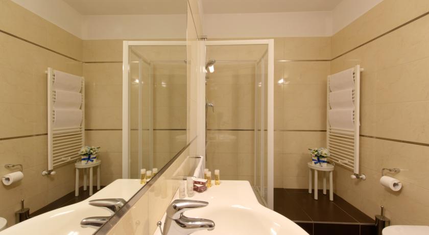 Bagno privato in camera nell'hotel vicino Salerno