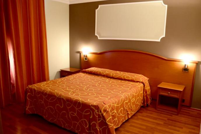 Camere Matrimoniali, Hotel 4 stelle a Caserta