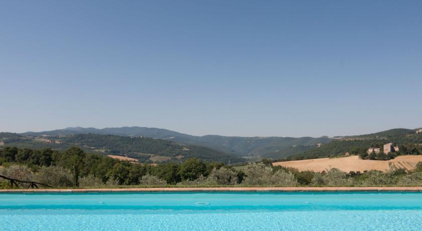 Piscina Panoramica sulla Campagna di Todi Umbria
