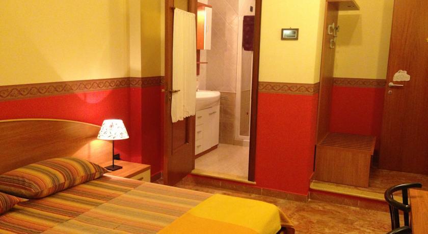 Camere quadruple a Lecce con bagno