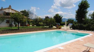 Relax in vacanza in Umbria, piscina