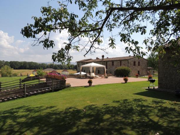 Casale per gruppi in Umbria fino 20 persone