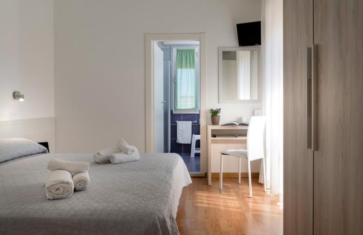 Vacanze a Igea Marina in camera comfort hotel3stelle
