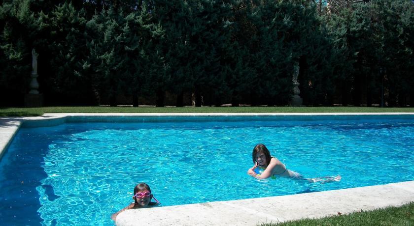 giardino con piscina hotel Monselice Padova