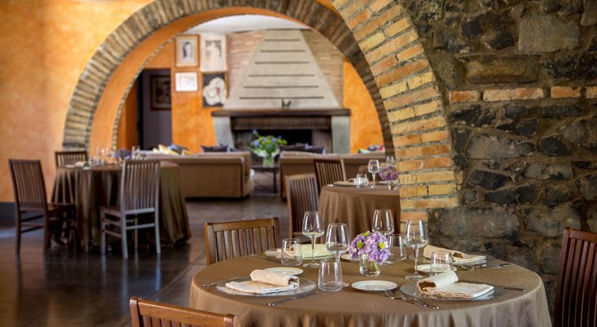 Sala ristorante al Resort Bracciano vicino Roma