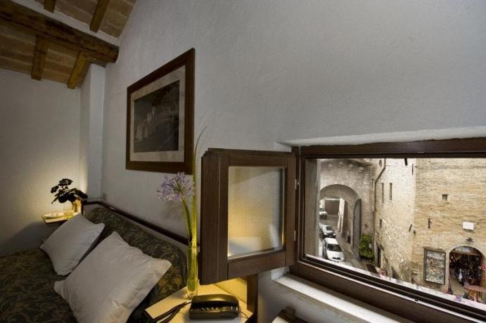 Camera con vista panoramica centro Assisi hotel3stelle