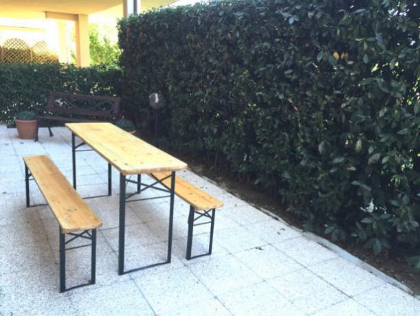 giardino privato recintato in appartamento ad assisi