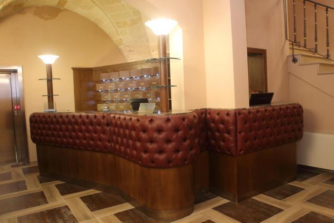 Reception Hotel 4 stelle a Lecce