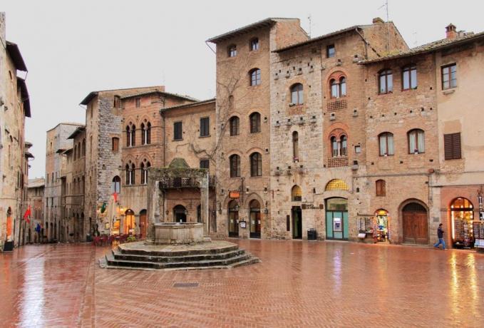 Piazza della Cisterna: vicino Resort La Magia