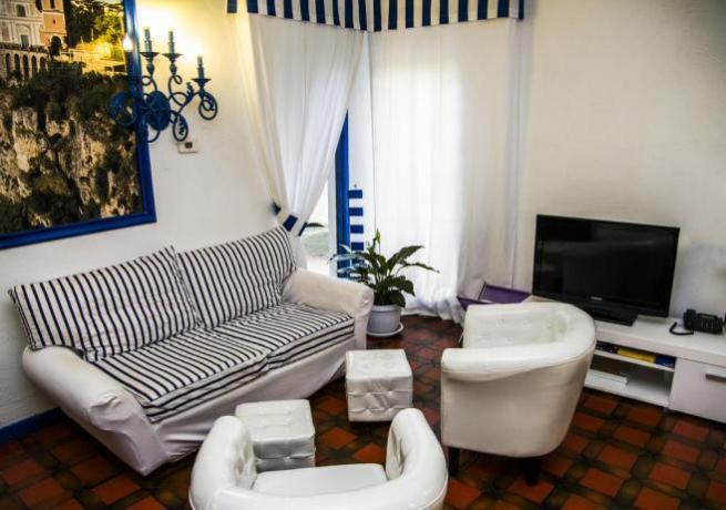 Appartamento con Soggiorno e TV