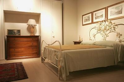 Letto matrimoniale in ferro artistico bianco camere da - Camere da letto ferro battuto ...