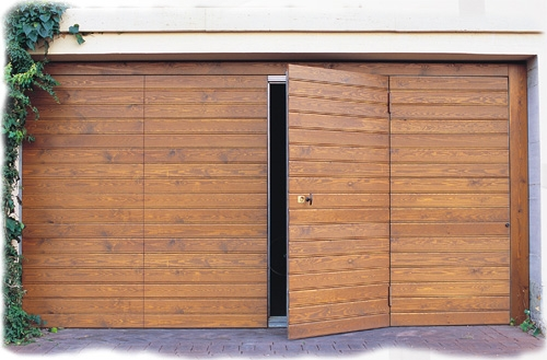 Portoni in legno da esterno hercules vendita ingrosso - Portoni garage con finestre ...