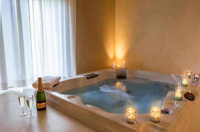 Gran Suite Jacuzzi - piscina idromassaggio 2 pax.