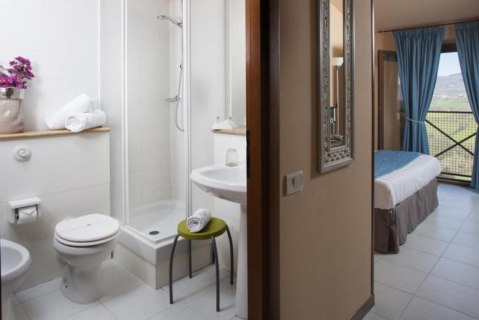 Camere con bagno privato con doccia Todi
