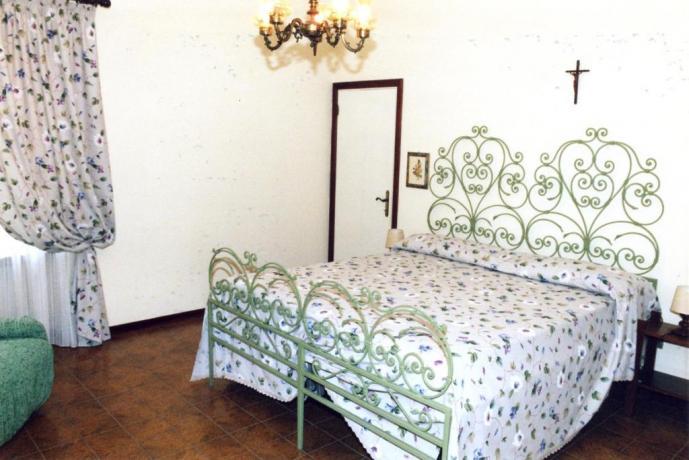 Camera Matrimoniale con Poltrona