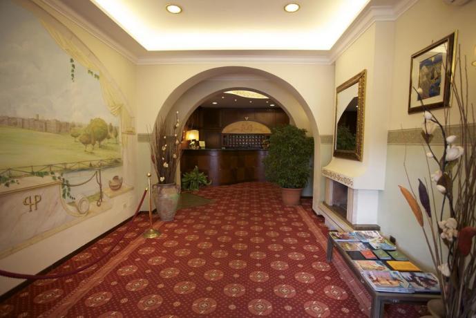 Reception servizio-concierge albergo 3 stelle centro città Anzio