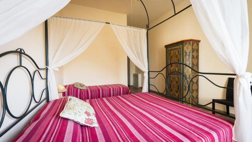 Double bedroom in a typical umbrian style, detail