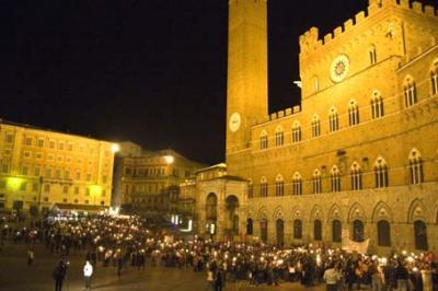 Traveling in Tuscany, find Accommodation in Siena