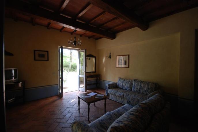 Residence con ampio soggiorno vicino Terni