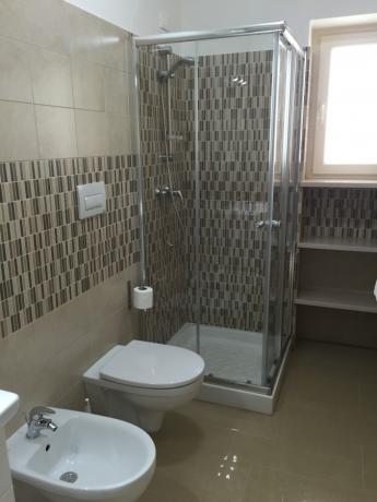 Appartamenti con bagno con box doccia