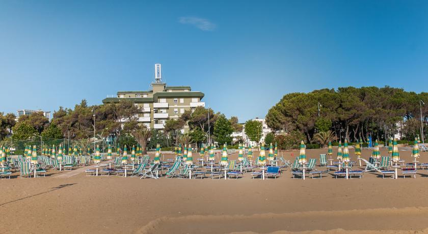 Hotel con Camere Vista Mare a Giulianova