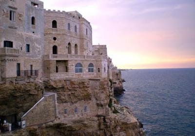 Find Accommodation near the Sea in Italy