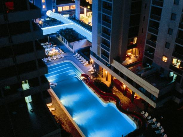 Hotel,Residence con piscine e animazione frontemare