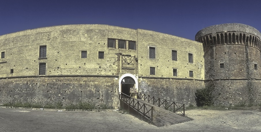 Veduta principale del Castello Aragonese