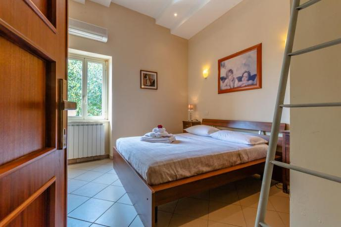 Camera matrimoniale casale la Via Francescana