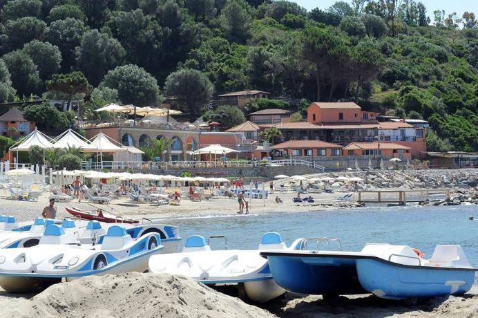 Villaggio-Palinuro con Spiaggia Privata,Piscina Panoramica e Animazione