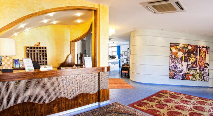 Ingresso Hotel elegante Alcamo Marina