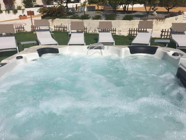 Hotel nelle Eolie con piscina idromassaggio e ristorante