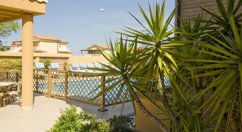 Hotel Residence a Numana con Piscina