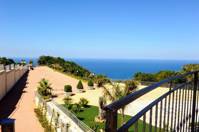 Vista panoramica del mare calabro