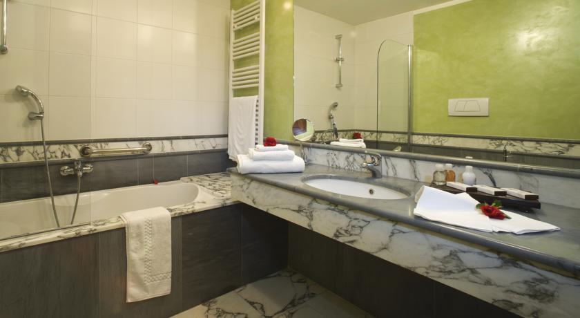Vasca da Bagno in Camera Hotel a Bra