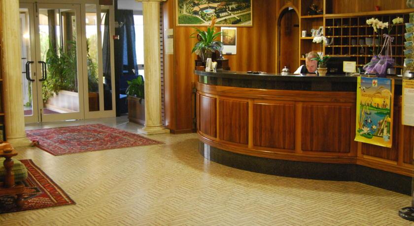 Accogliente reception dell'Hotel