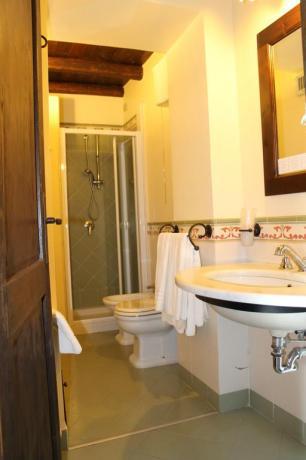 Camera con bagno agriturismo ad Adrano vicino Paternò