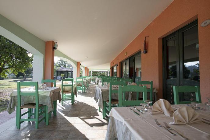 Veranda Coperta per Pranzo-Cena aziendali in Sardegna