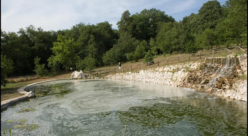 Cascata del laghetto