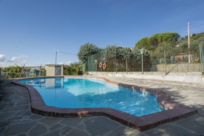 villa-11postiletto-casaledelvaldarno-piscina-campodatennis-toscana